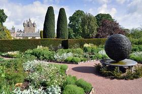 Cawdor Castle and Gardens - Замок и Сады Коудор